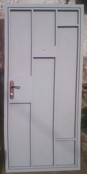 двухстворчатая однолистовая металлическая дверь